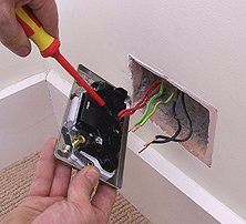 how to replace a plug socket made easy rh handymanknowhow co uk wiring a wall socket south africa wiring a wall socket nz
